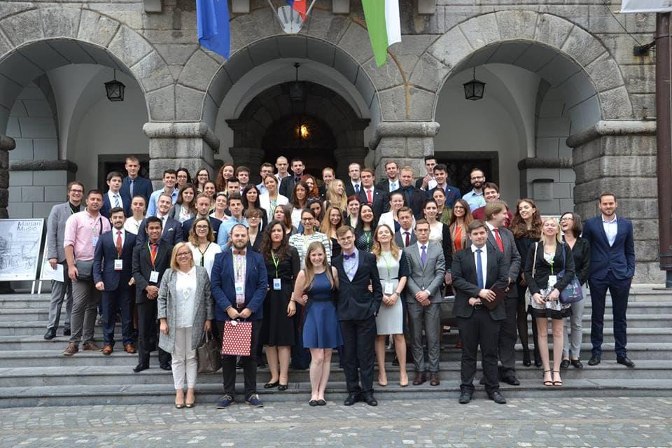 Mednarodna mladinska konferenca MUNSC Salient o sodobnih oblikah neenakosti