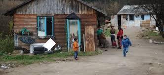 Vključevanje Romov: okrepiti je treba prizadevanja za boljšo dostopnost izobraževanja in zaposlovanja
