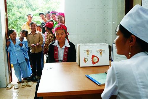 Komisar Mimica: Pravice žensk in enakopravnost so ključnega pomena za trajnostni razvoj