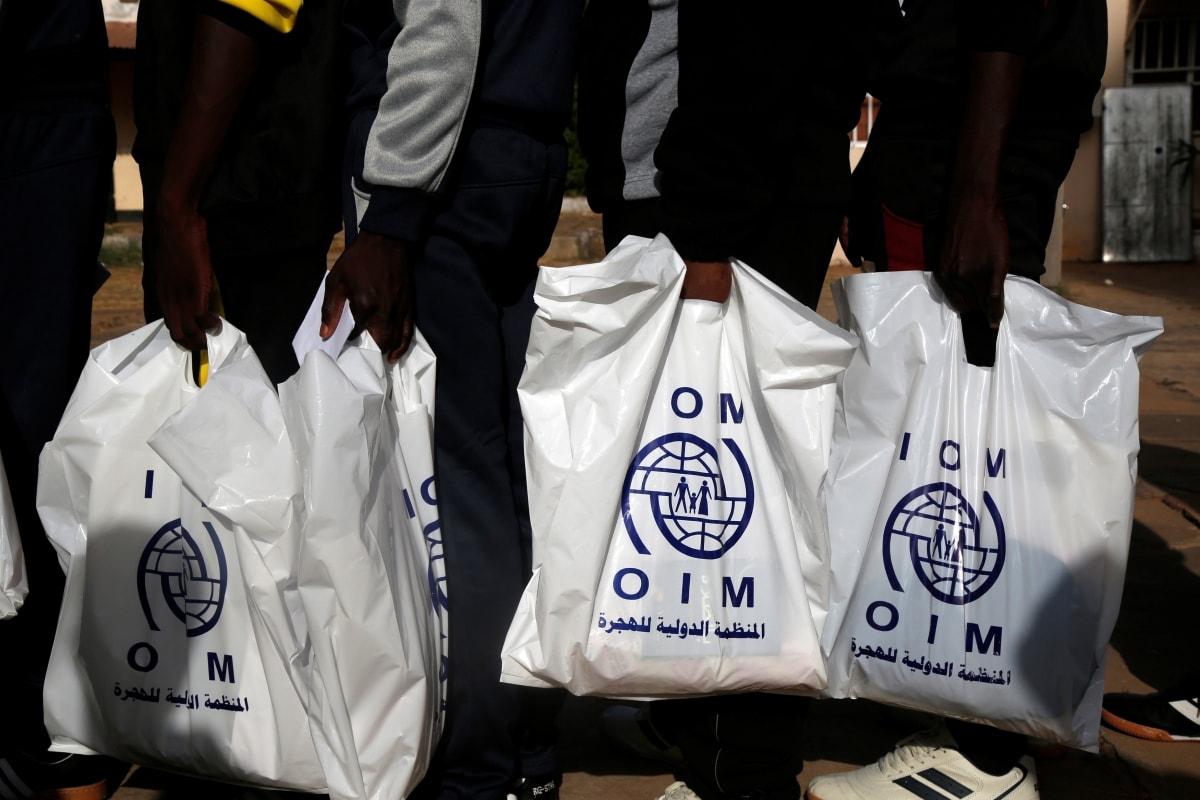 IOM: Afriške prebežnike v Libiji preprodajajo kot sužnje