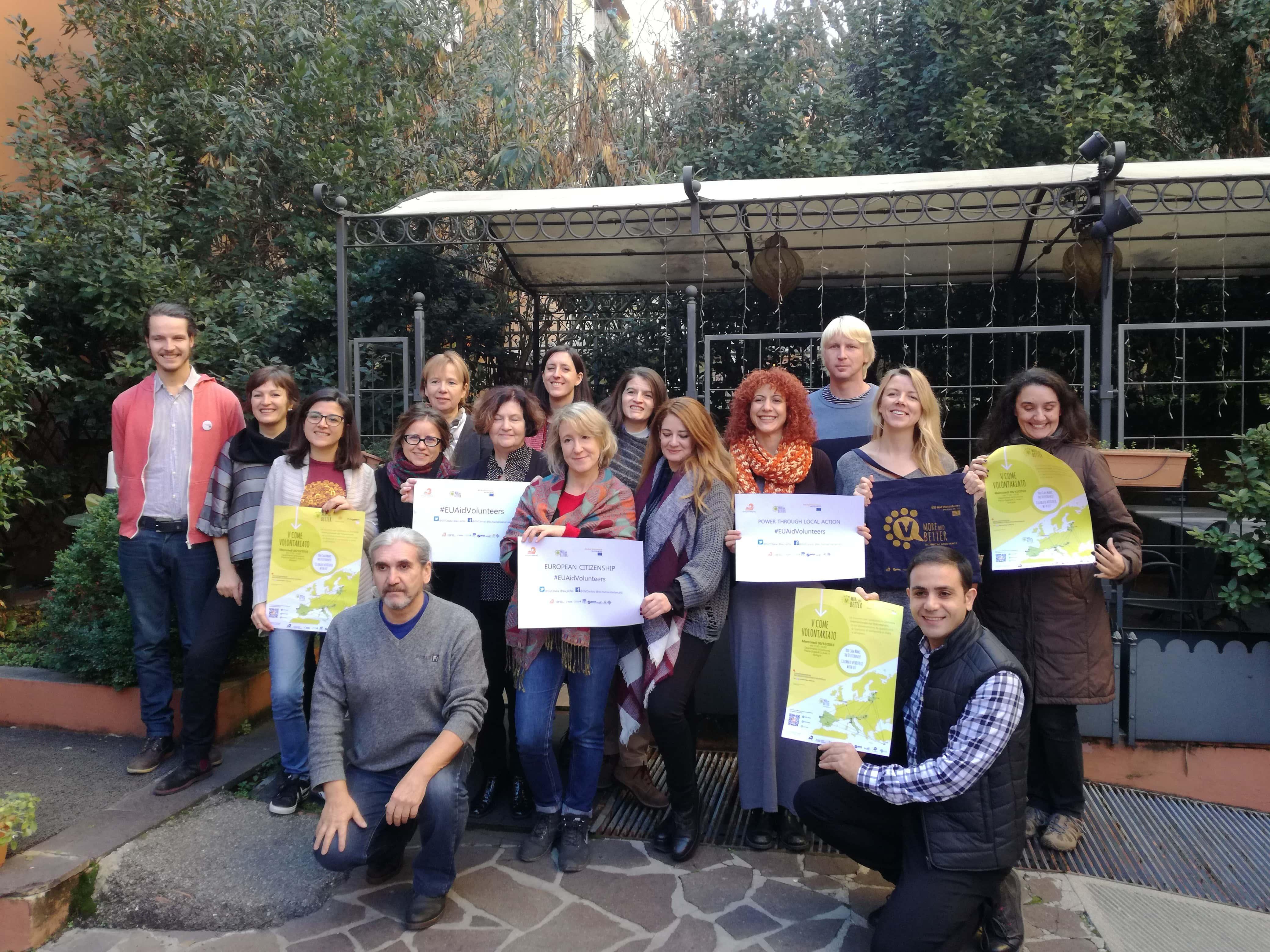 Platforma SLOGA na mednarodni okrogli mizi o EU humanitarnih prostovoljcih