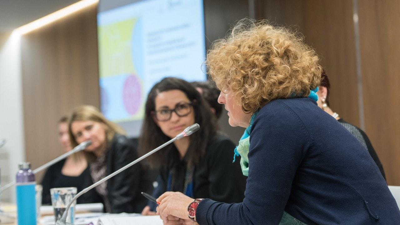Mirovni inštitut organiziral Posvet o integraciji oseb z mednarodno zaščito v Sloveniji in Evropski uniji