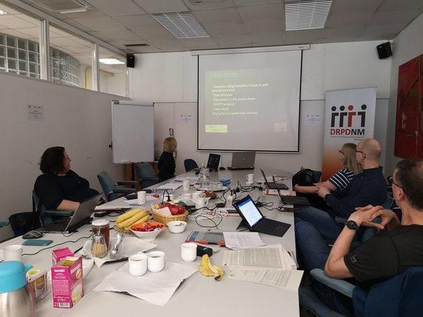 O izzivih digitalnih medijev na drugem dogodku TeDiCom v Novem mestu
