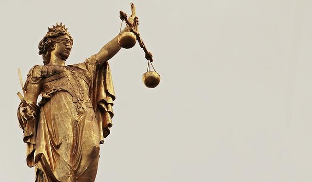 Koronavirus: smernice vladam o spoštovanju človekovih pravic, demokracije in pravne države