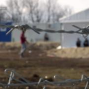 Bodeča žica. Posnetek iz filma Igra pred obzidjem Evrope.
