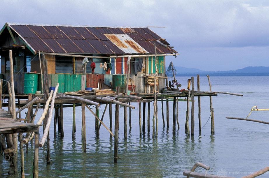 hiša na kolih, Indonezija. Foto: Flickr