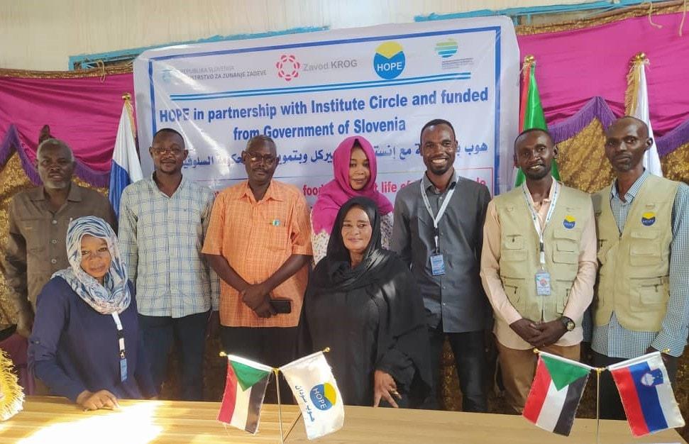 Srečanje s predstavniki oblasti v Južnem Sudanu. Foto: Zavod Krog